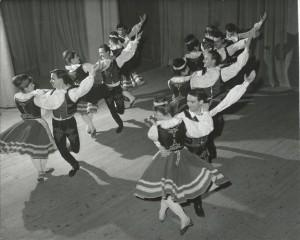Esti tánc- Szirmai Béla